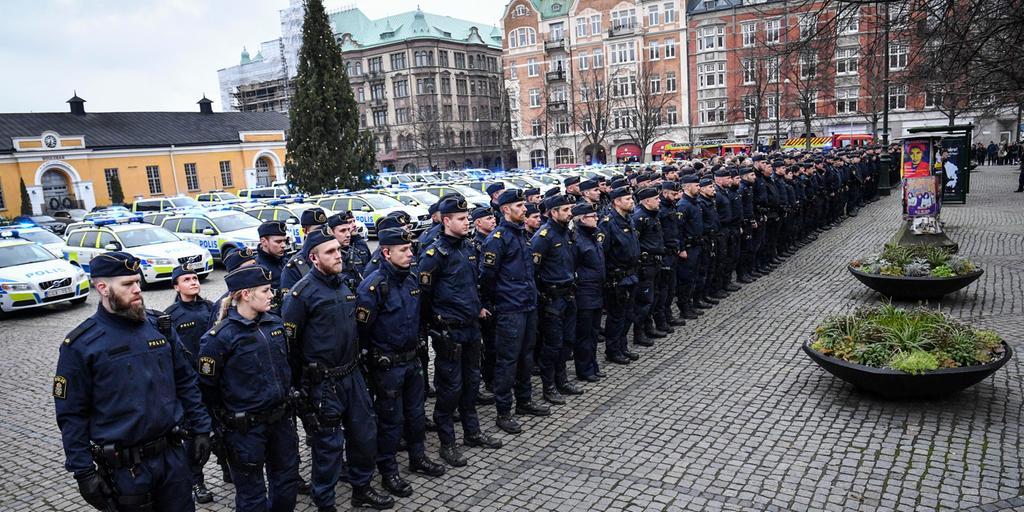Stark Minnesstund For Avliden Polis I Malmo Gp