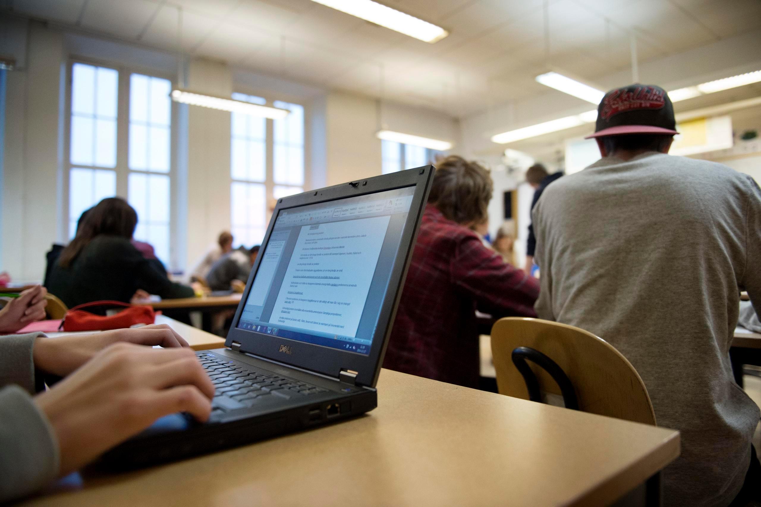 Självsäkra unga sämre på källkritik