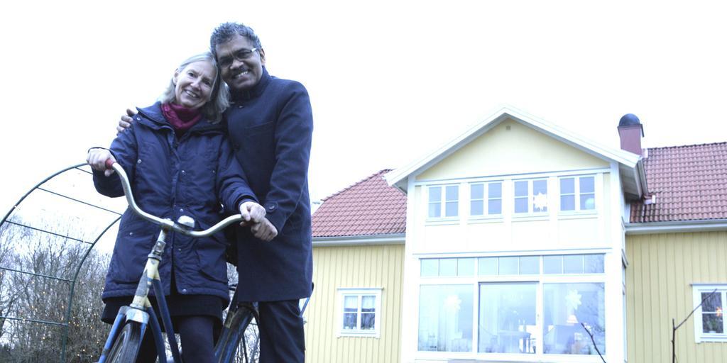 8b390981b6c Ann-Charlotte von Schedvin och Pradynmna Kumar Mahanandia träffades i Indien  i mitten på 70-talet, sedan dess har de hängt ihop.