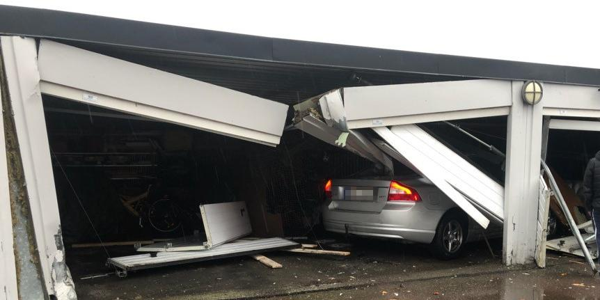 Velsete Bil körde in i garagelänga | Göteborgs-Posten - Göteborg RB-66