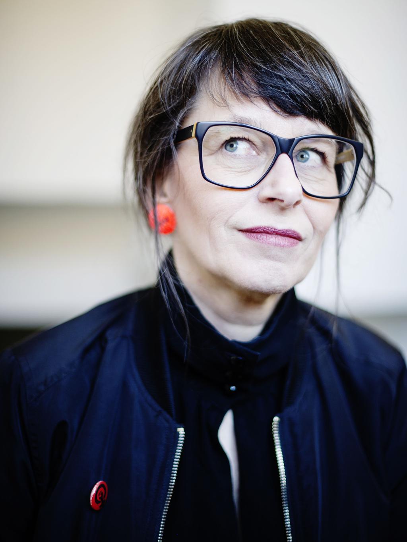 """675392ca6ef I bandet 500 mil som Anna Charlotta Gunnarson har tillsammans med Christel  Valsinger, gör hon indiepop på svenska. Debutskivan """"Åska"""" kom i höstas."""