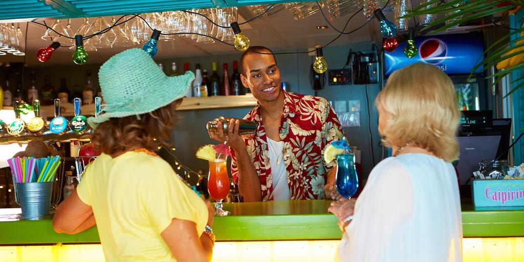 The Reef Bar på Stena Danica är en plats för den som gillar drinkar och Karibien.