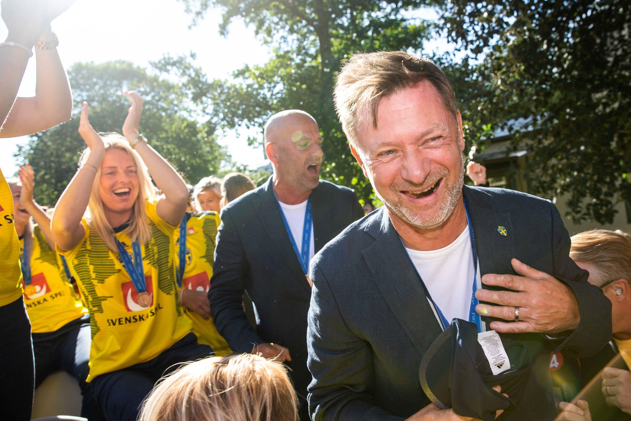 Förbundskapten Peter Gerhardssons coronauppmaning: Var positiva