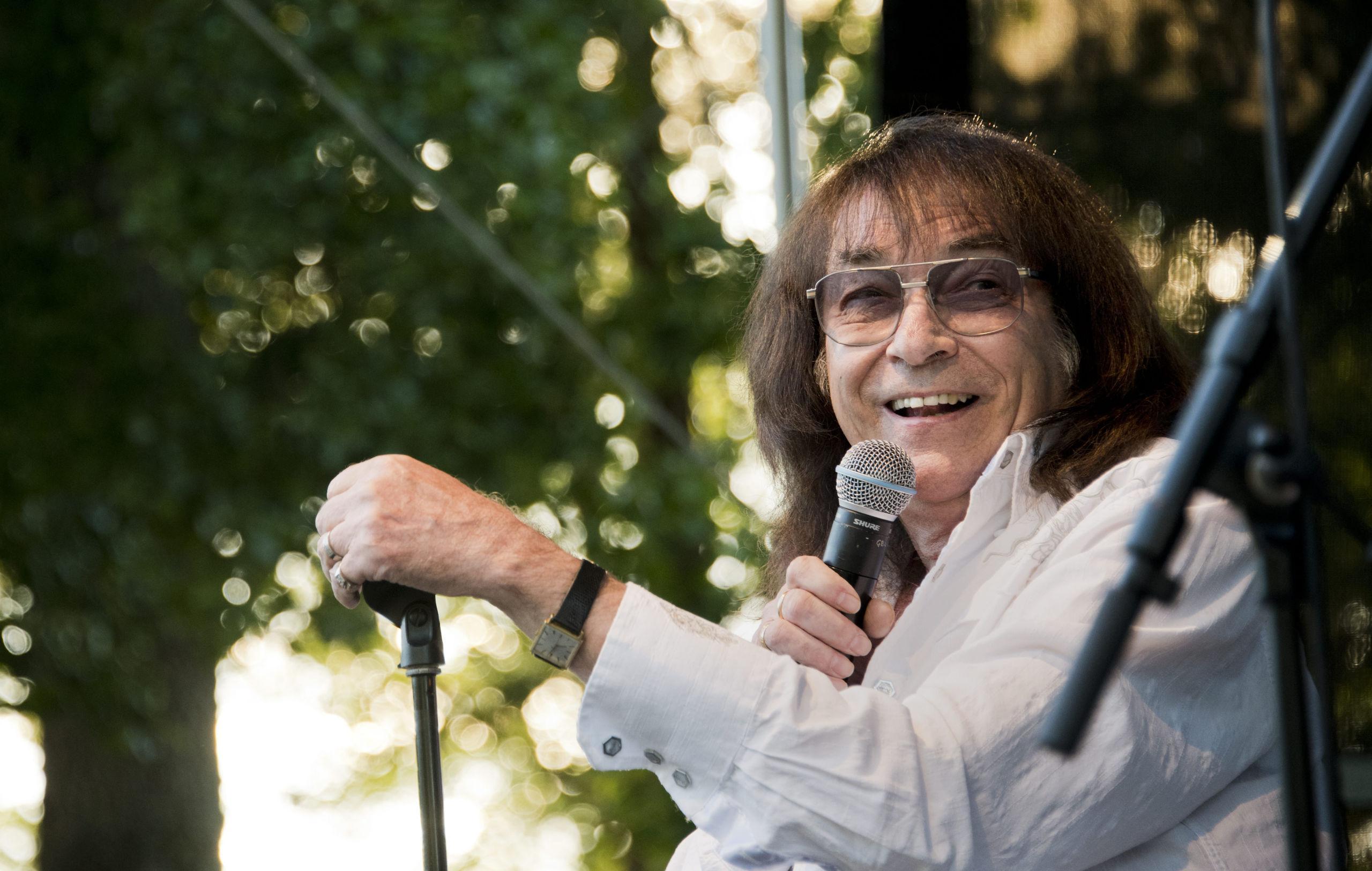 60-talets popkung Svenne Hedlund lockar ännu fansen