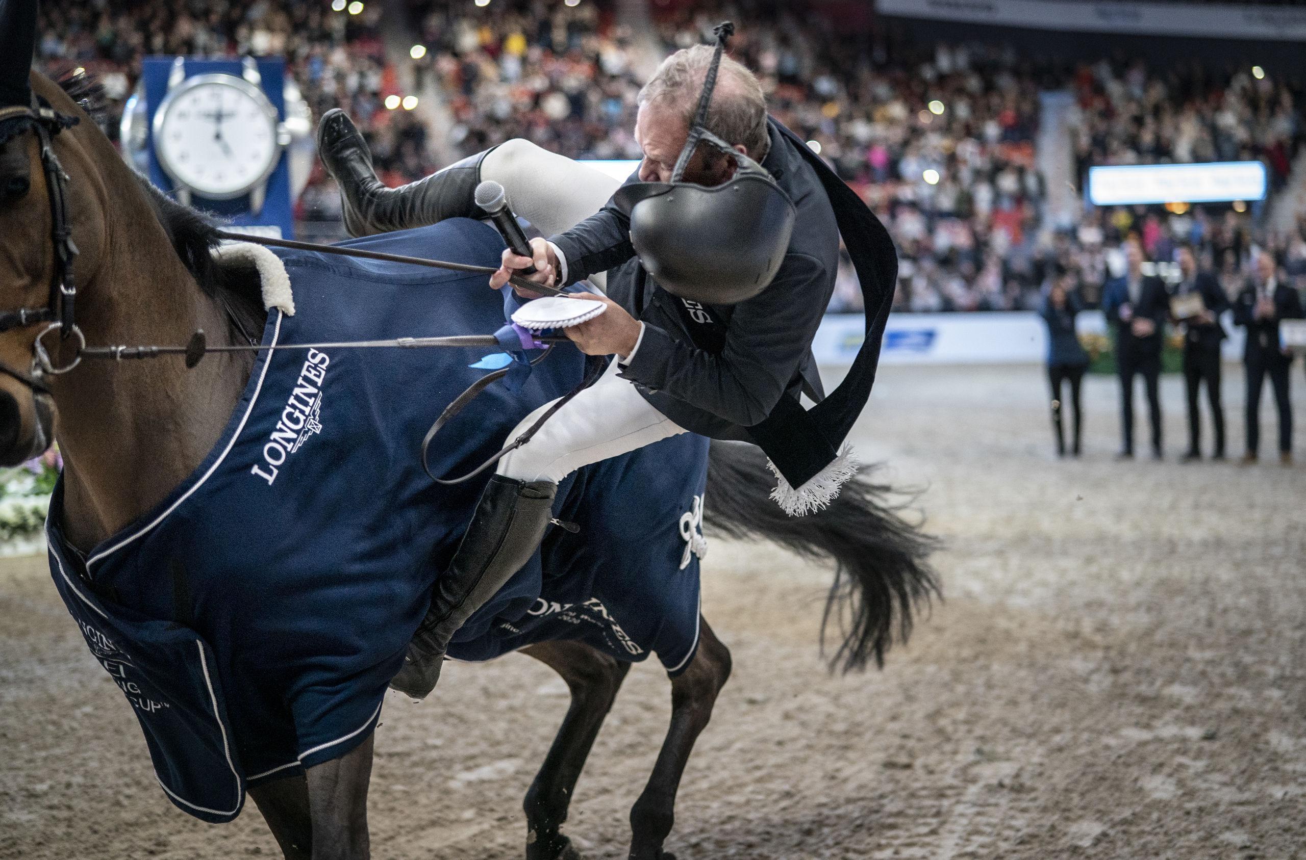Vinnaren i Scandinavium avkastad av sin häst – fick vård