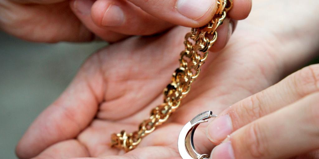 Var noggrann när du väljer köpare av guld  66961282d6b9f