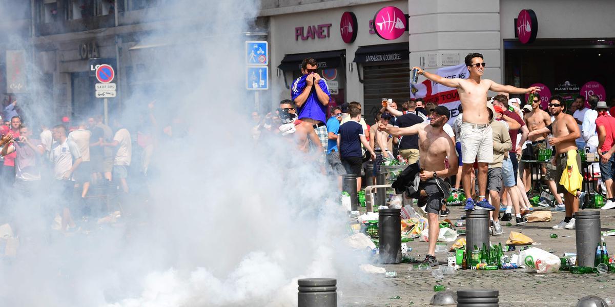 dryck euro naken