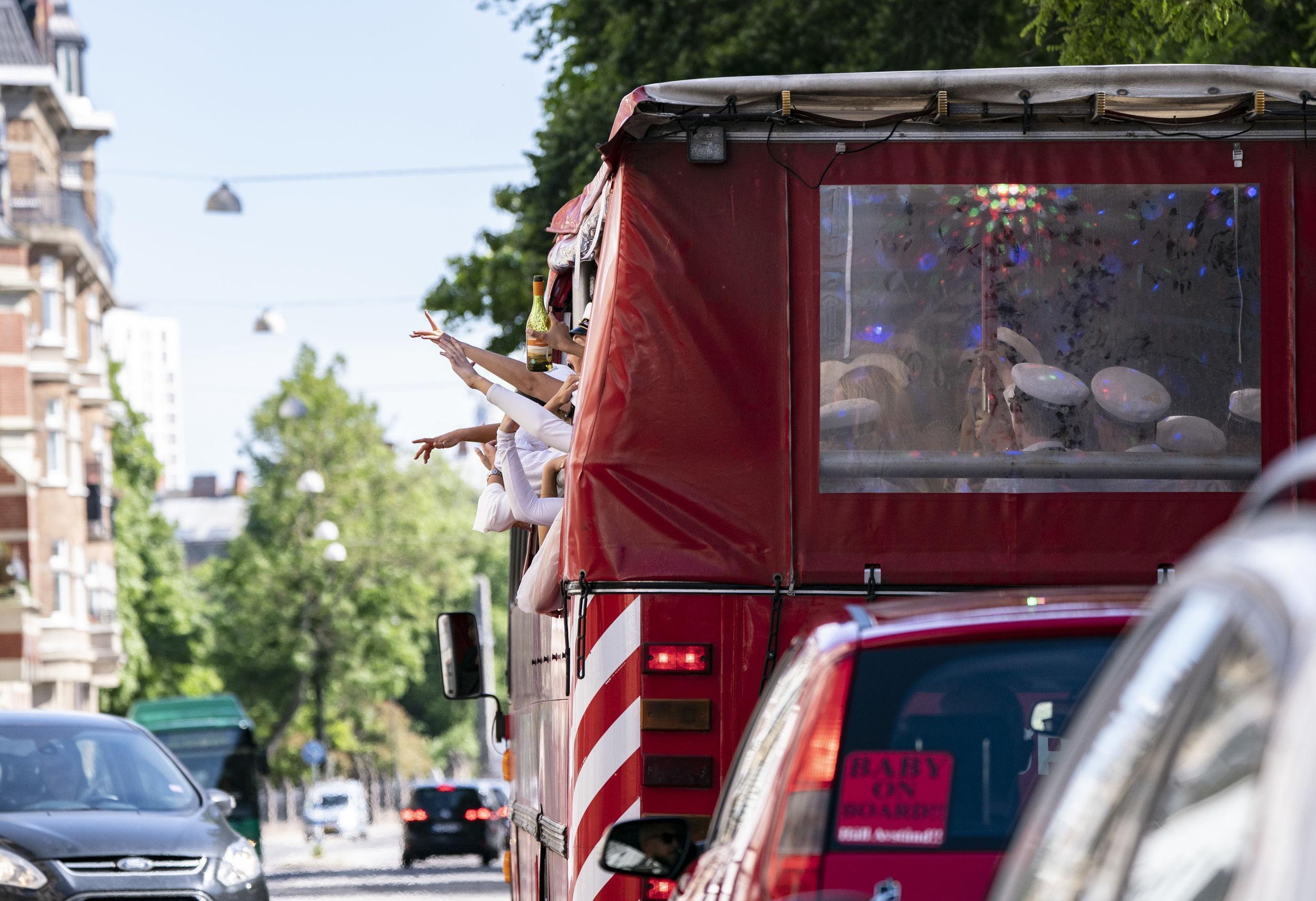 Ökad efterfrågan på partybuss i studenttider
