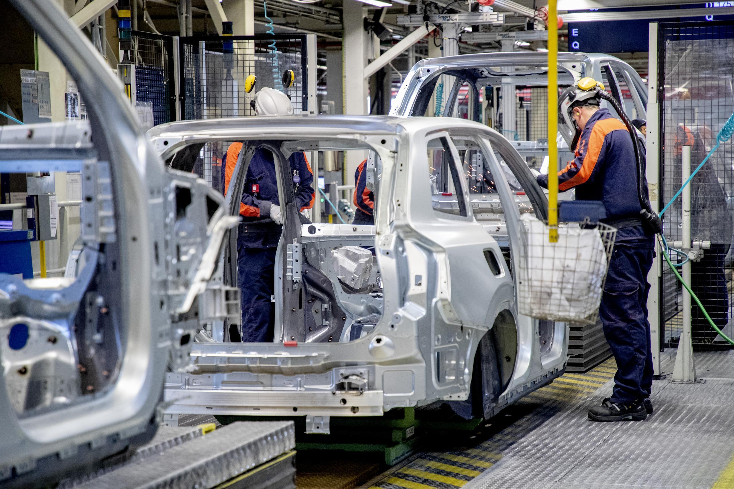 Snart dags för Volvo Cars tjänstemän att jobba heltid efter permitteringen