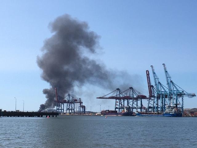 Brand i Göteborgs hamn