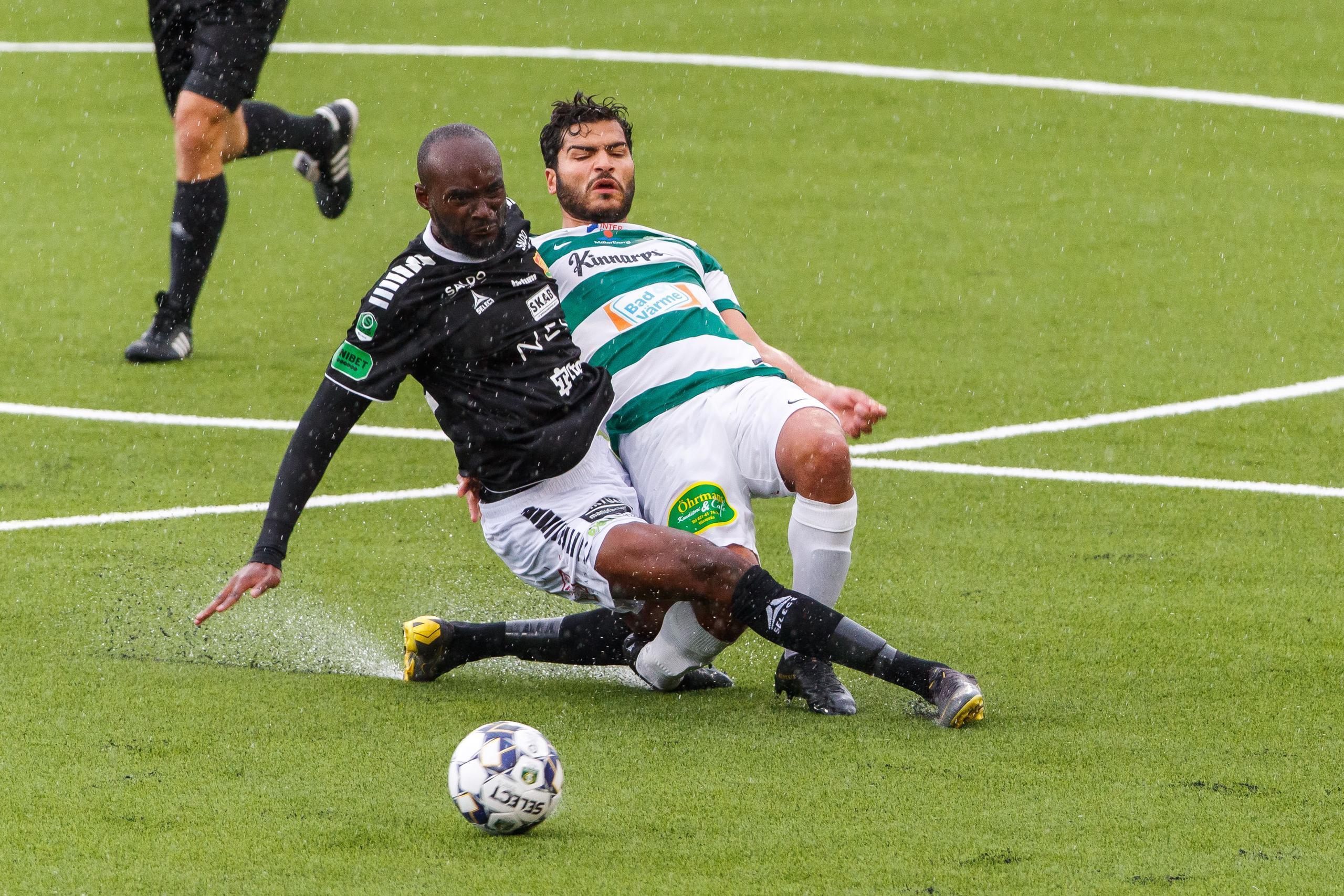 Regnkaos bröt Gais match – återstartade efter en timme