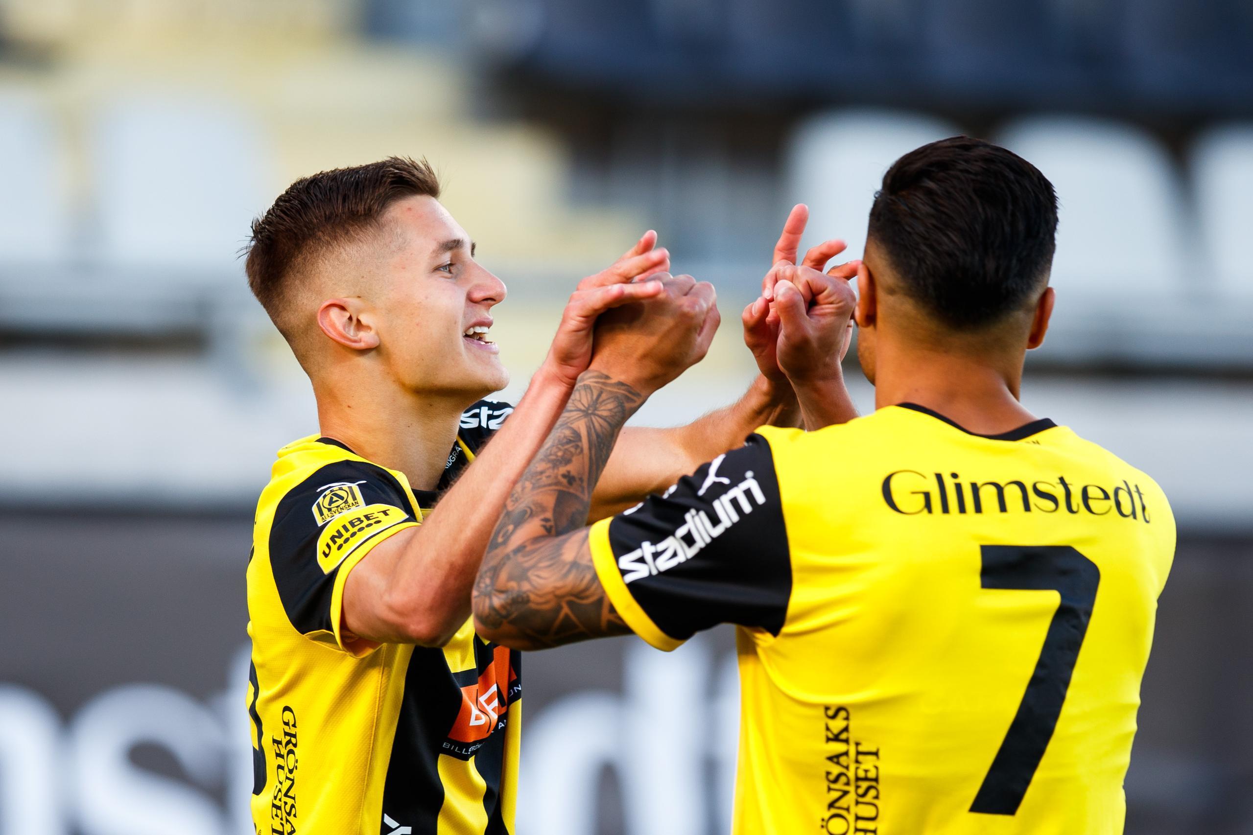 """Häckens superform – 13–0 mot tre storlag: """"Har utklassat dem"""""""
