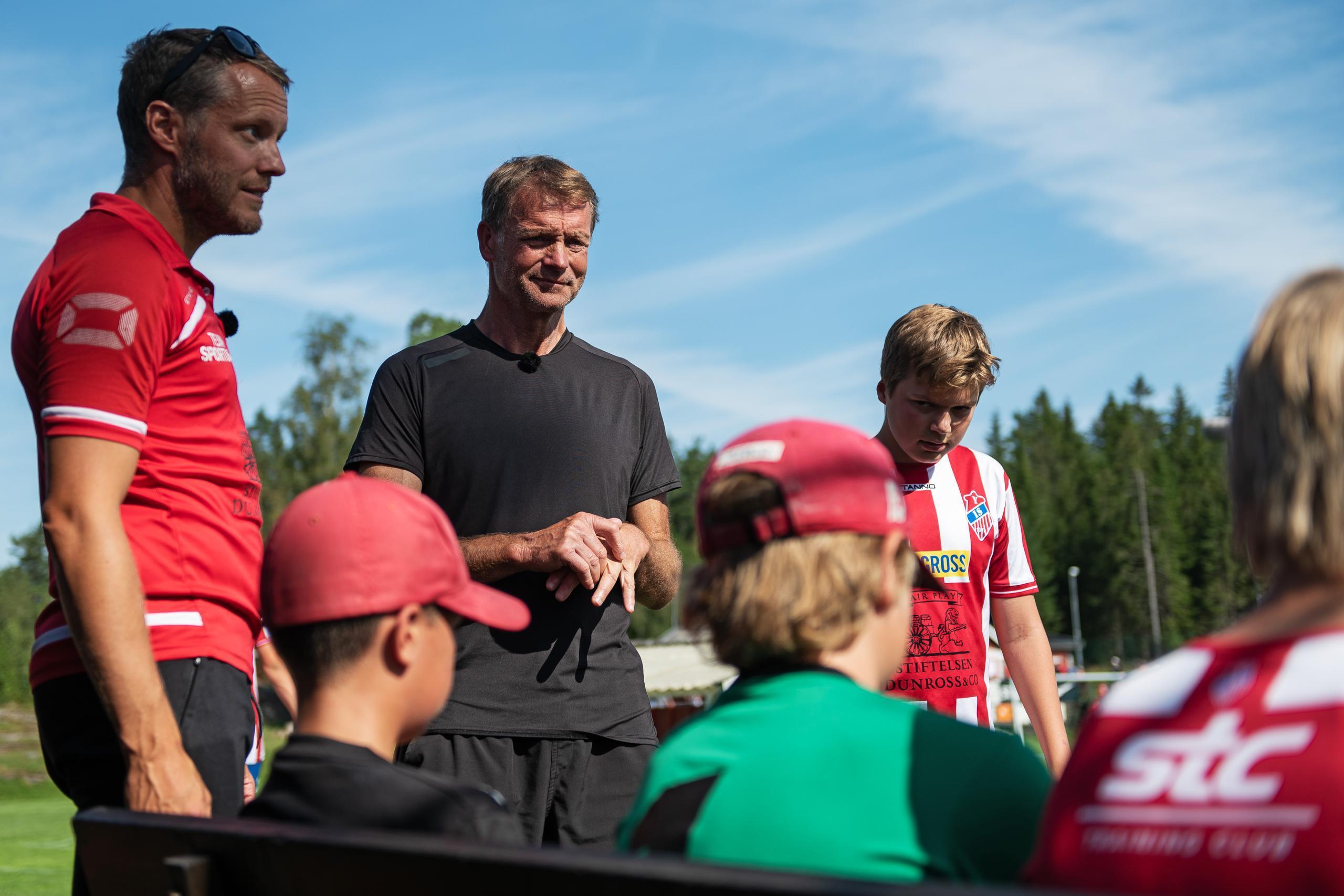 Torbjörn Nilsson tränar ungdomar i ny tv-serie