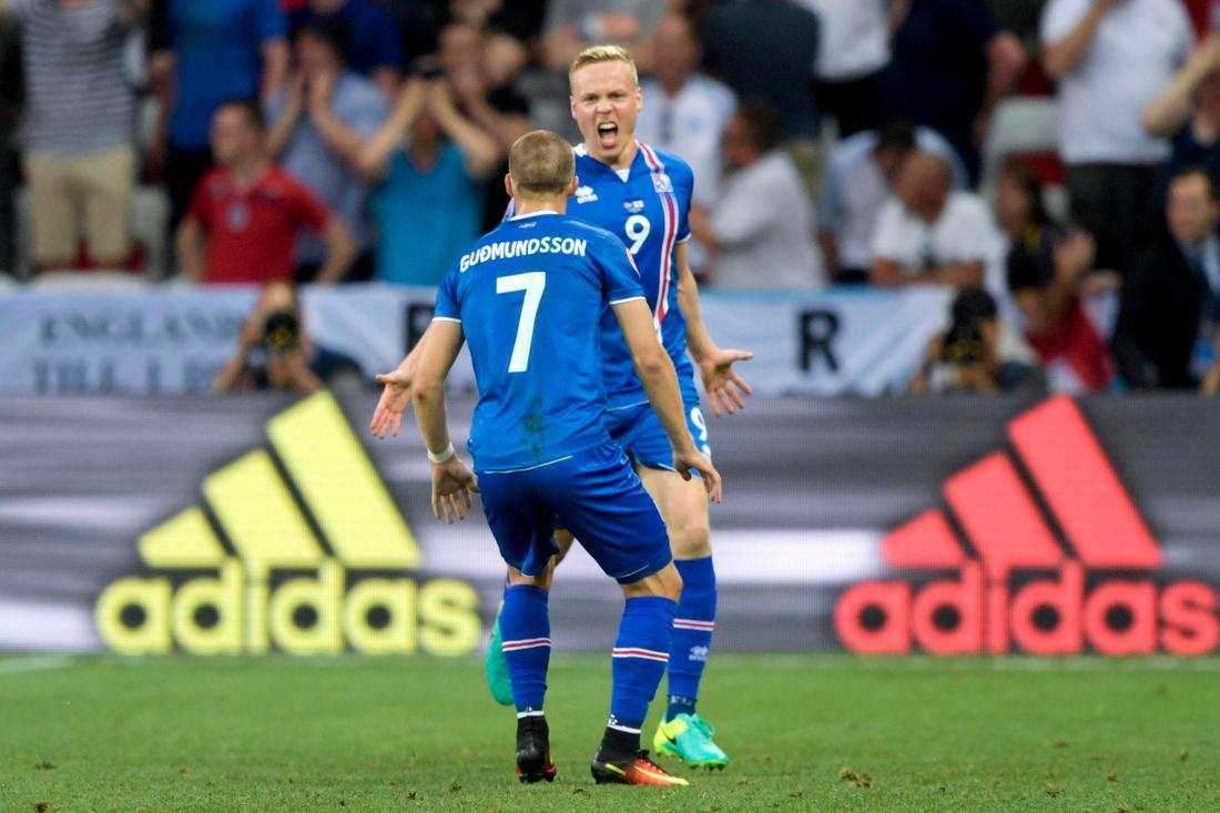 Så här såg det ut när Lars Lagerbäck och hans Island tog turneringens  skrällseger och slog ut England. FOTO  Bildbyrån fbfc501275237