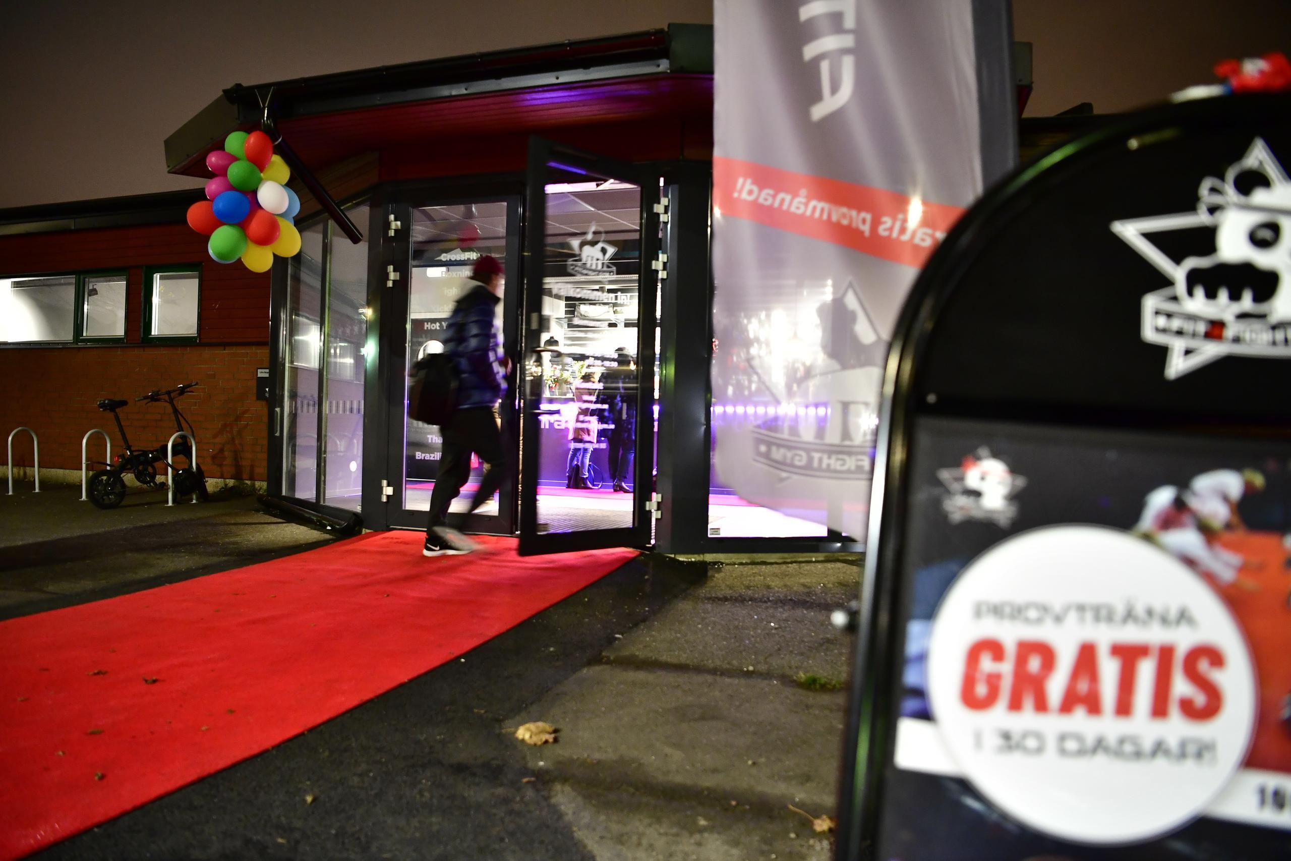 Stor folksamling när gym i Kviberg öppnade