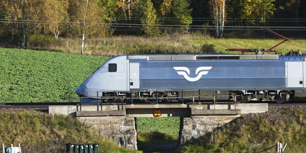 tåg stockholm strömstad