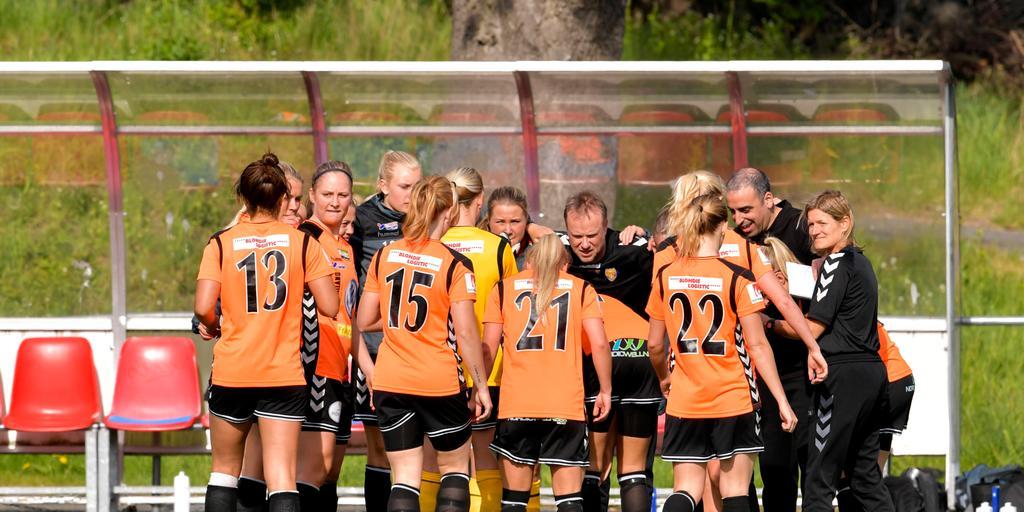 Klubbens ekonomi gör framtiden osäker för tjejerna i Kungsbacka DFF. Bild   Erik Simander eff41b5da1025