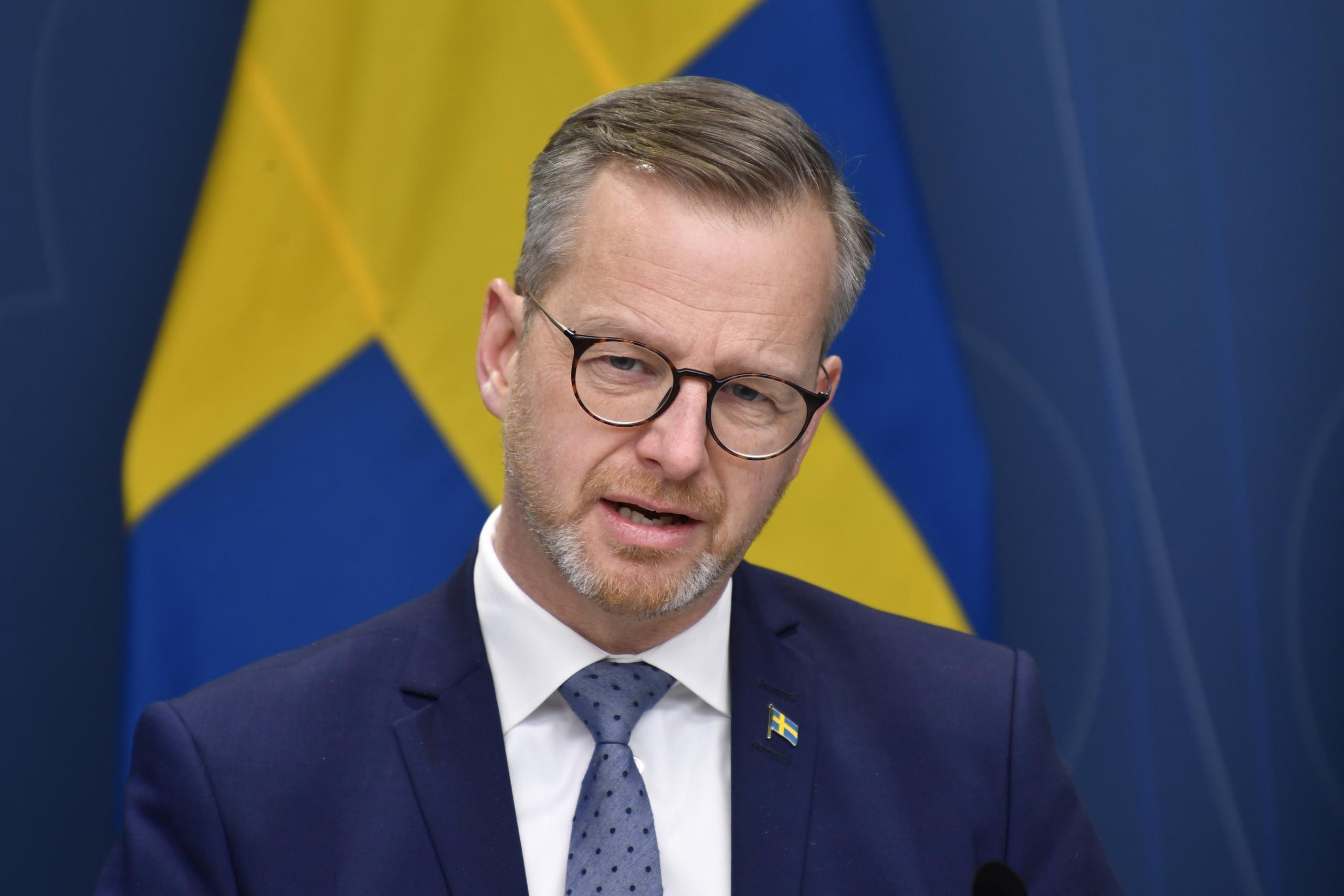 Mikael Damberg (S) om inreseförbud till Sverige