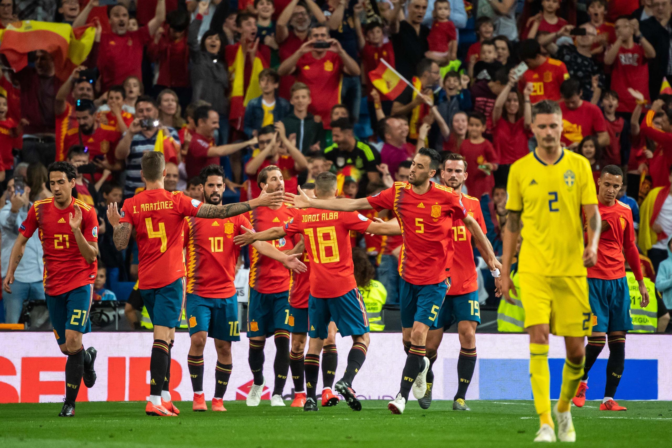 Svenska laget inför EM–premiären mot tungviktaren Spanien