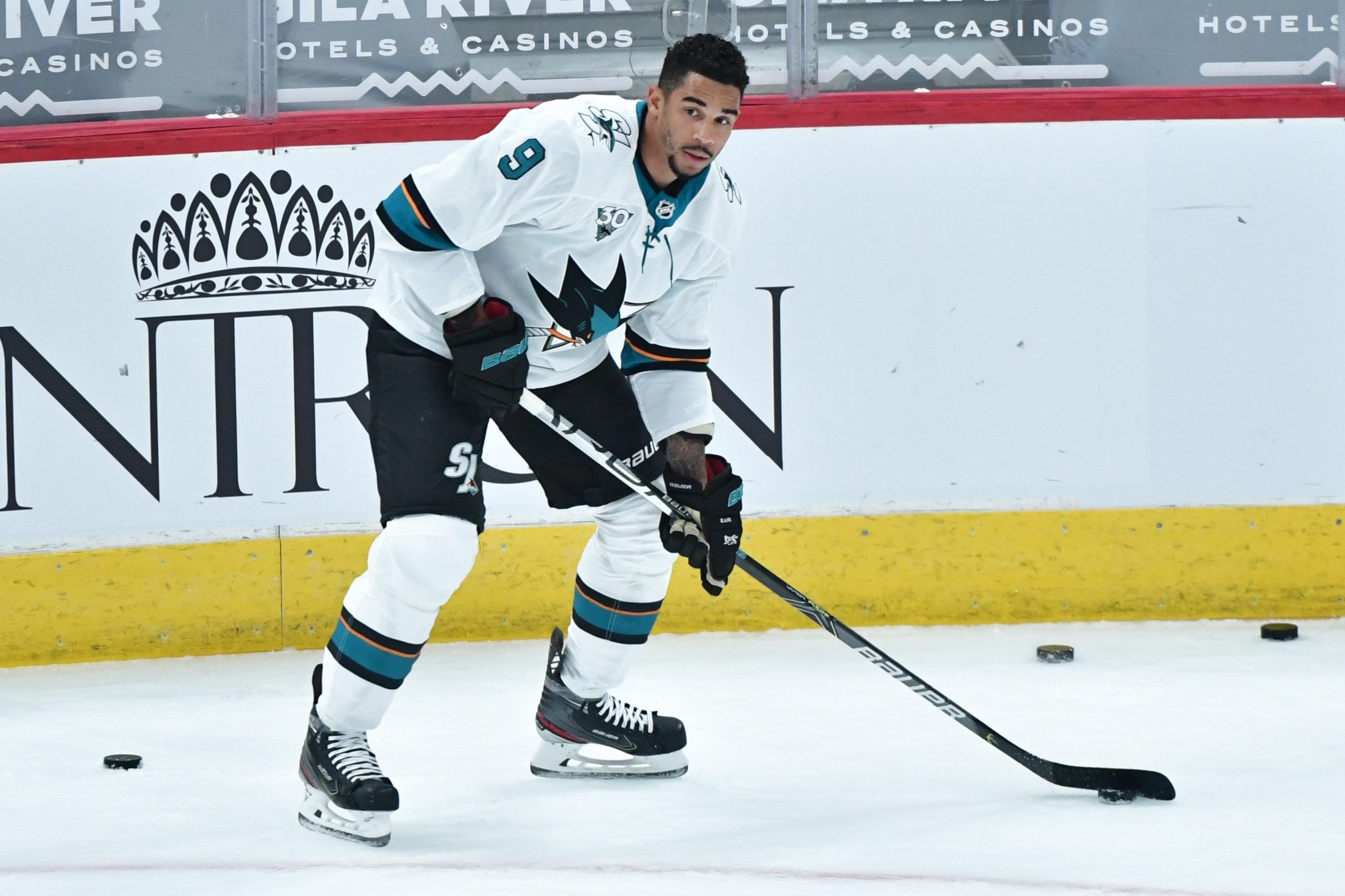 Fruns anklagelse mot NHL-stjärnan – spelar på egna matcher