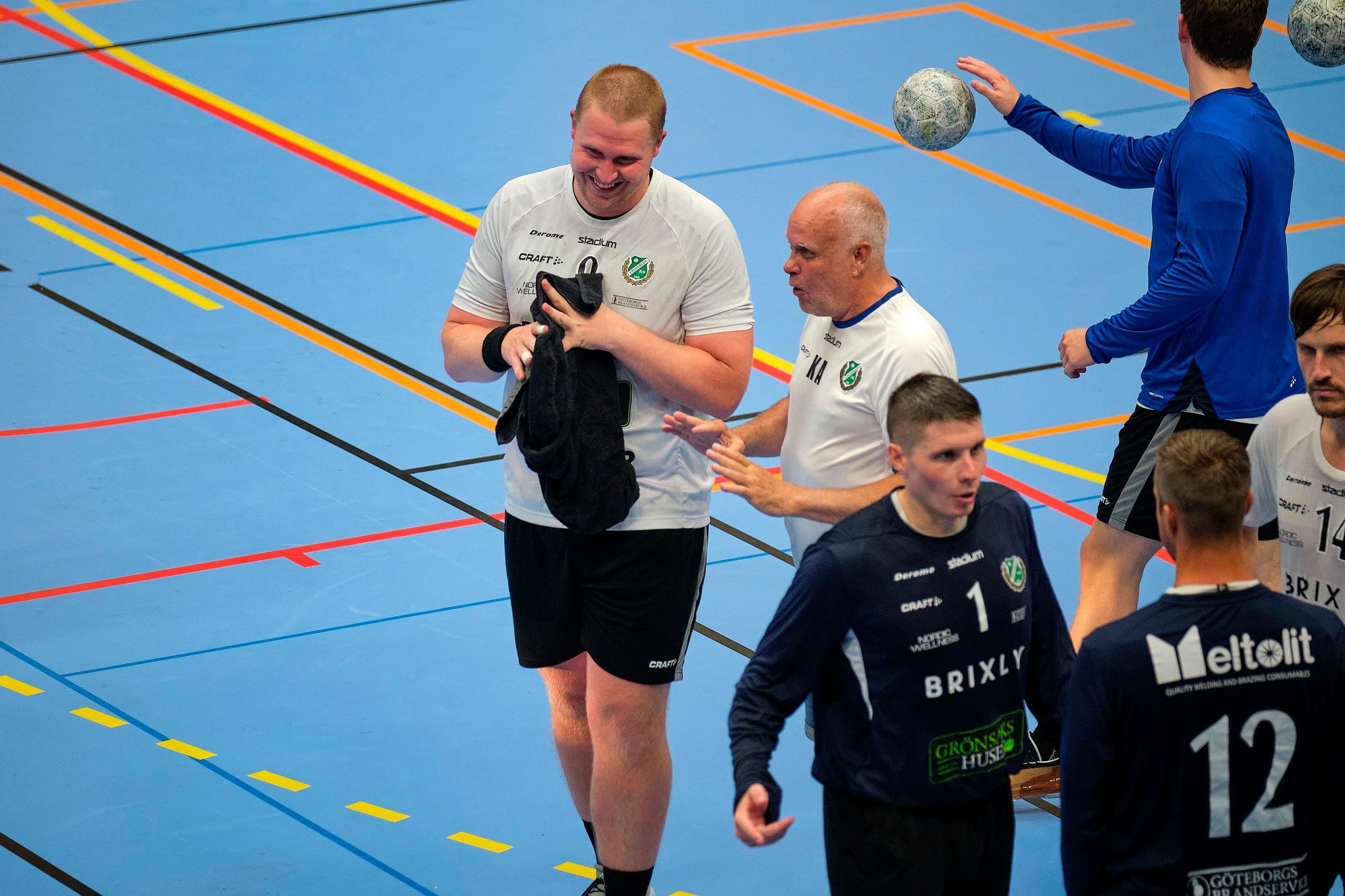Önnereds Viktor Rhodin var äntligen tillbaka på handbollsplan