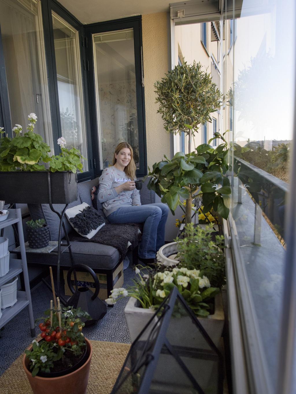 inreda balkong med växter