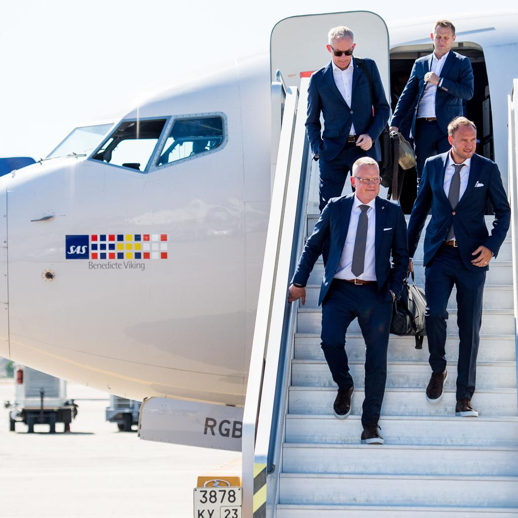 Football2C-World-Cup-20182C-day--22C-team-Sweden-arrival