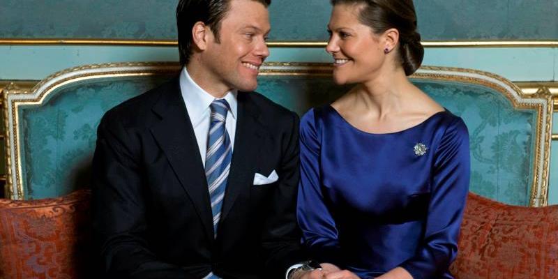 fe070d7e1f44 I sommar gifter sig kronprinsessan Victoria och Daniel Westling. Tanken var  att låta några av landets främsta poeter skriva kärleksdikter som skulle  ljuda ...